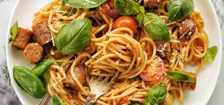 Spaghetti with mix sausages
